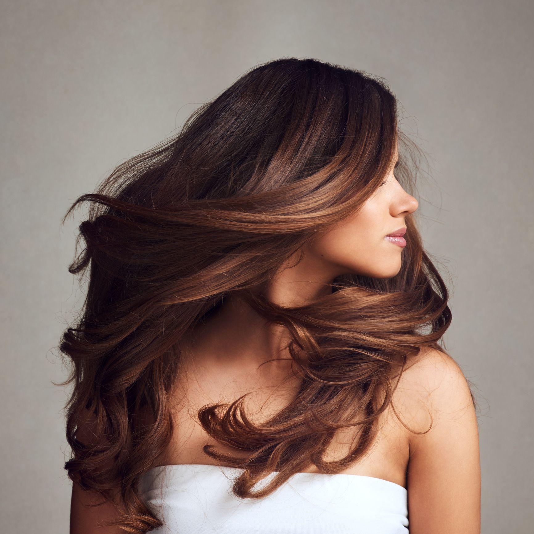 Hai anche tu i capelli piatti e fini? Con questi 5 tricks ottieni la chioma voluminosa che desideri