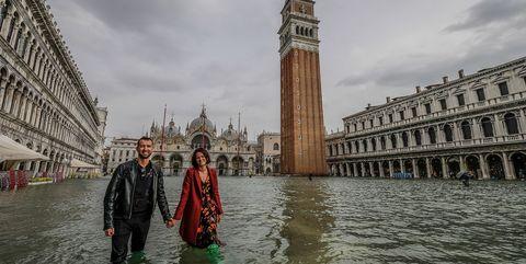 Landmark, Water, Waterway, Tower, Architecture, Sky, River, Tourism, Clock tower, Tourist attraction,