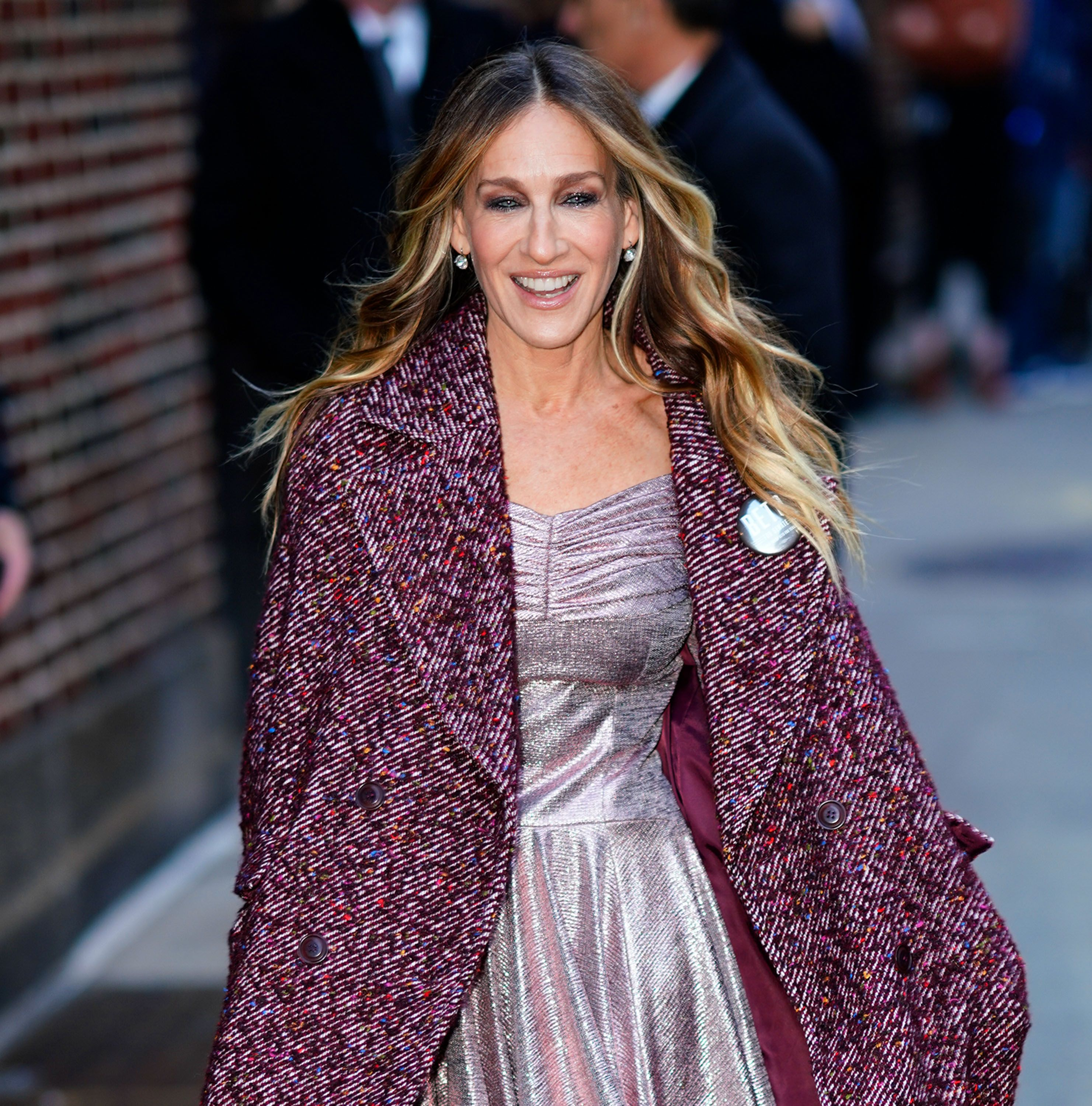 30dc588f3 Sarah Jessica Parker is Bringing Back Carrie Bradshaw for a Mystery Cause  With a