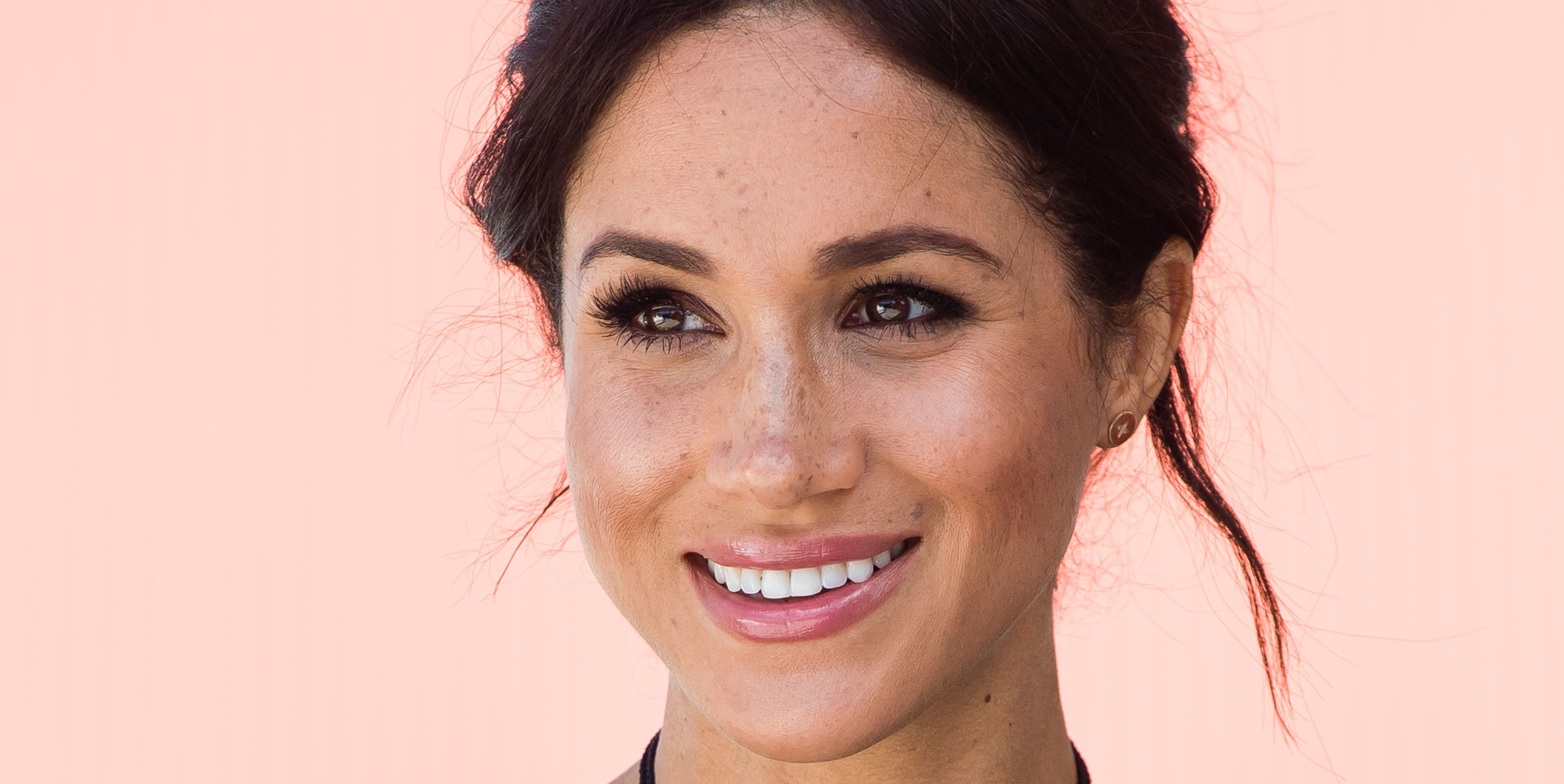 Happy Holidays, These Are Meghan Markle's Favorite Beauty Products!