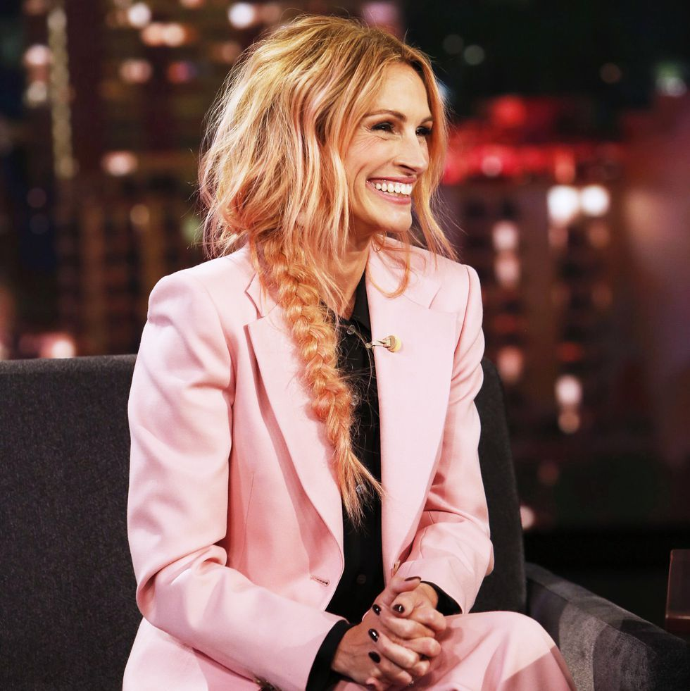 Julia Roberts Cut Her Hair Into a Tousled Lob, Her Shortest