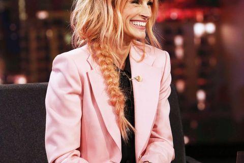 Julia Roberts Debuts Rose Pink Hair Transformation