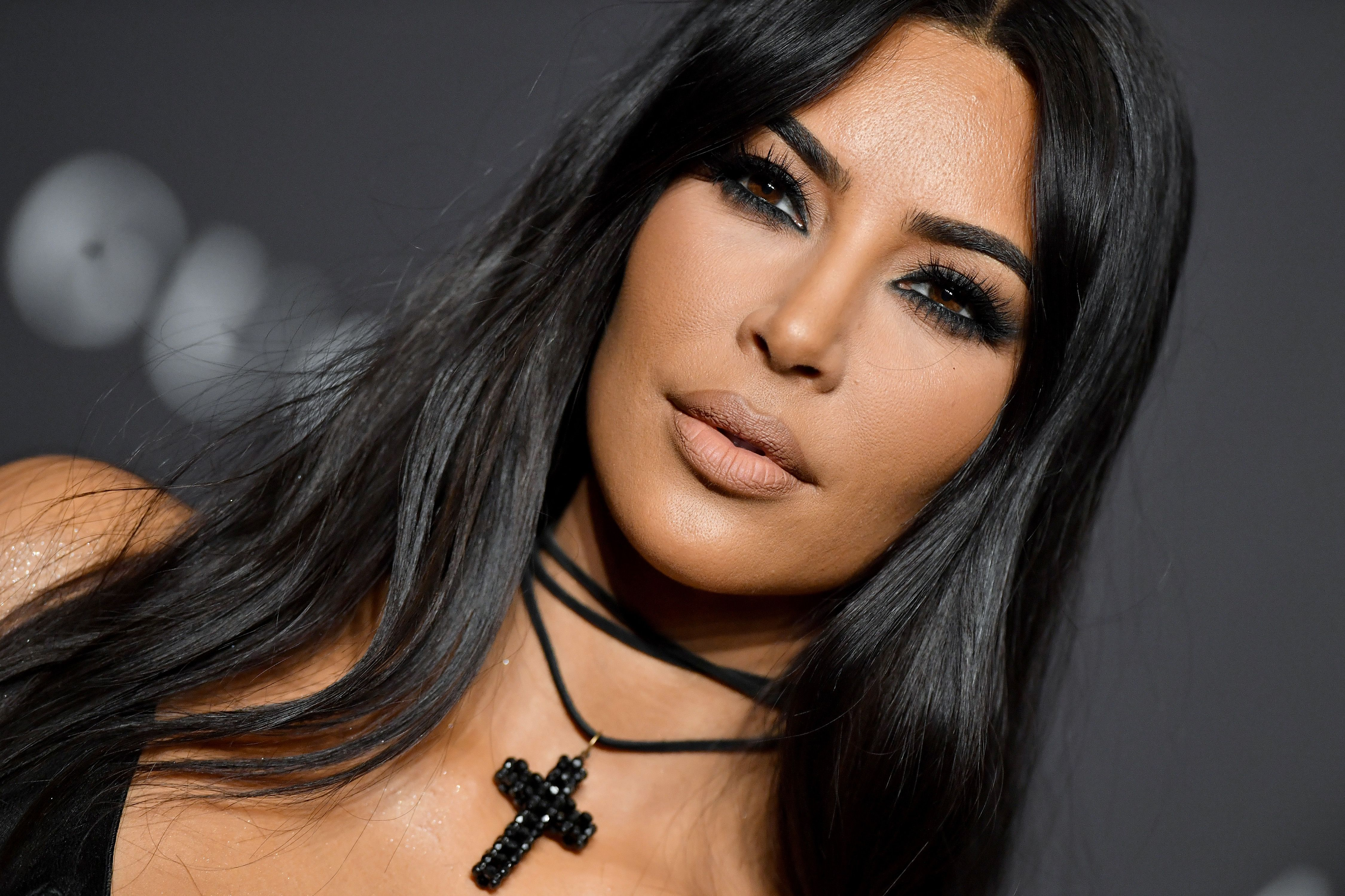 Kim Kardashian Posts Epic '90s Throwback Pics of Herself to Promote Her New Makeup Collection
