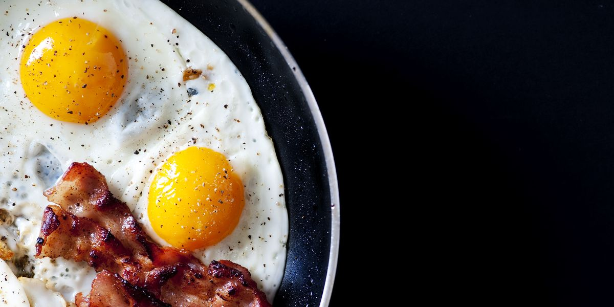 gramos de proteina en un huevo cocido