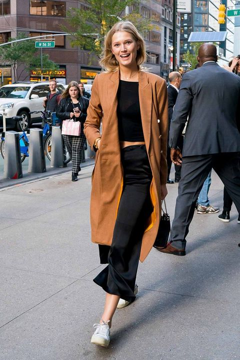 Street fashion, Clothing, Photograph, Fashion, Snapshot, Footwear, Brown, Outerwear, Coat, Leg,