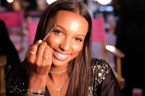 Victoria's Secret VS show make-up angels
