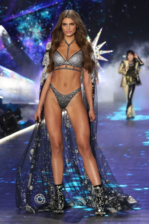 27f6d1fa80 See every catwalk look from the 2018 Victoria s Secret Fashion Show