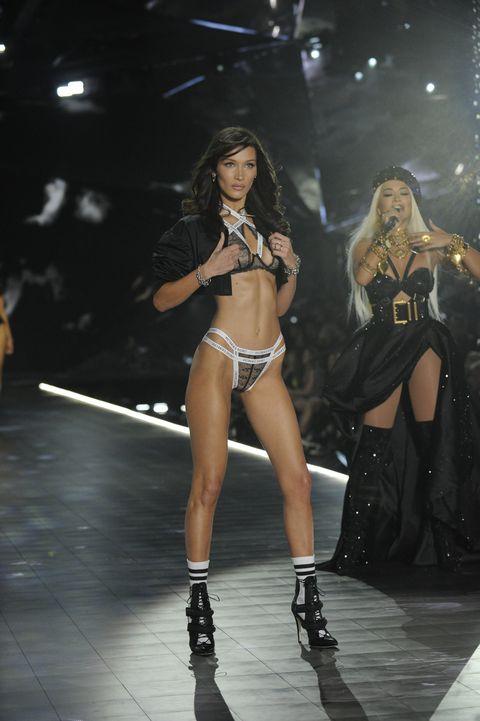 Fashion, Fashion show, Performance, Fashion model, Model, Thigh, Event, Muscle, Bikini, Leg,