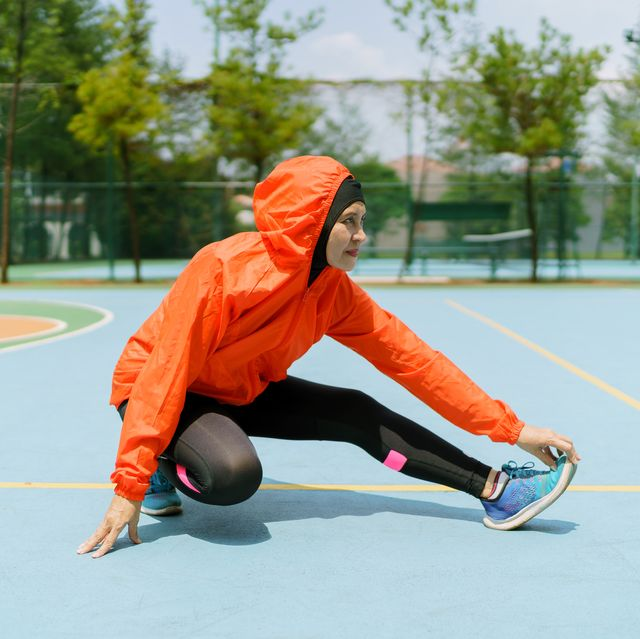 Best Stretches for Runners - Best Warm Up Stretches