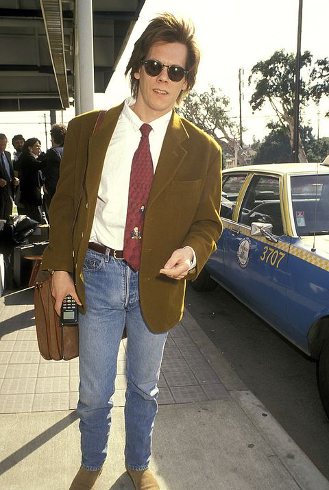 kevin bacon during kevin bacon sighting at los angeles international airport   january 31, 1991 at los angeles international airport in los angeles, california, united states photo by ron galellaron galella collection via getty images