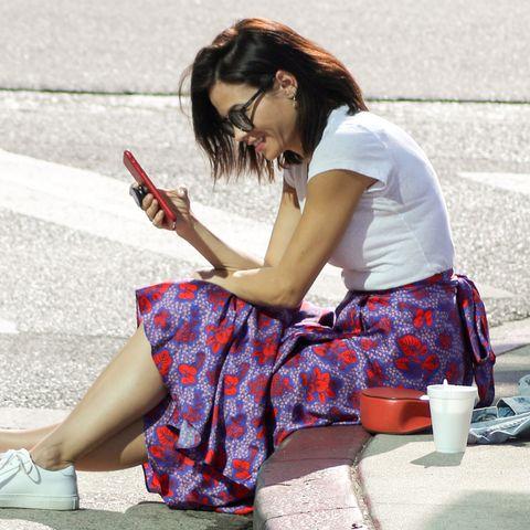 Sitting, Beauty, Leg, Snapshot, Human leg, Hairstyle, Footwear, Fashion, Street, Street fashion,