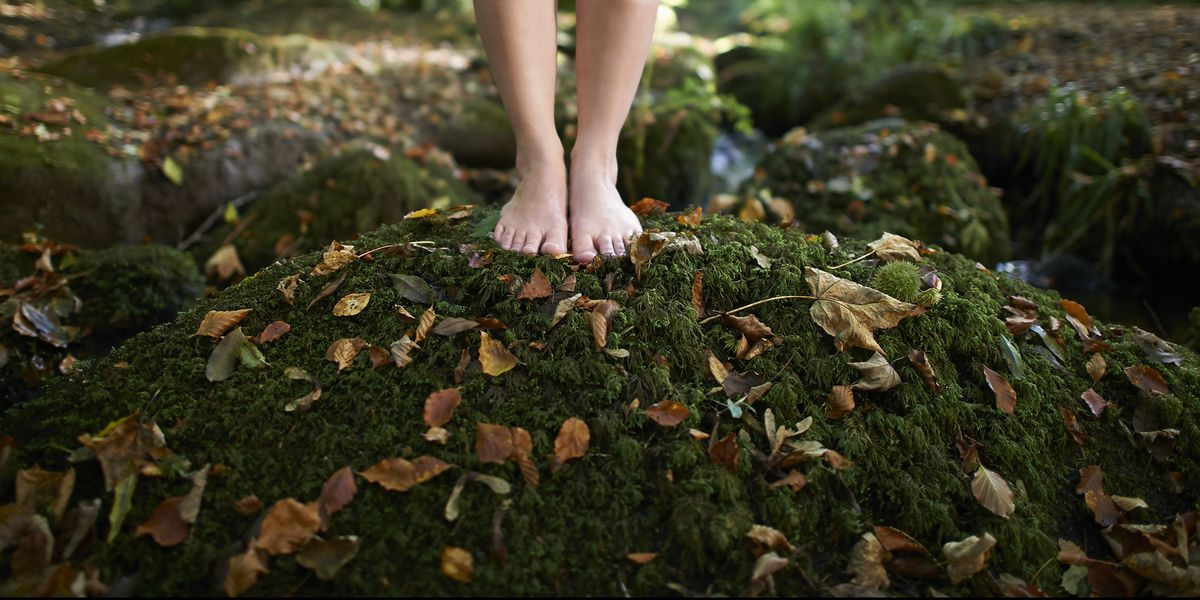 'Earthing' is 2020's newest wellness trend – here's how to do it