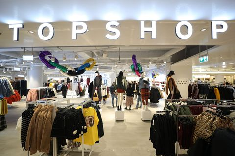Outlet store, Boutique, Building, Fashion, Shopping mall, Retail, Shopping, Automotive design, Customer, Baggage,