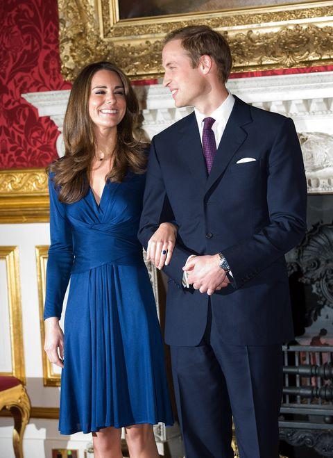 Suit, Cobalt blue, Formal wear, Clothing, Dress, Tuxedo, Event, Fashion, Electric blue, Cocktail dress,