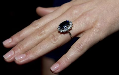 kate middleton s engagement ring story behind kate middleton s ring kate middleton s engagement ring