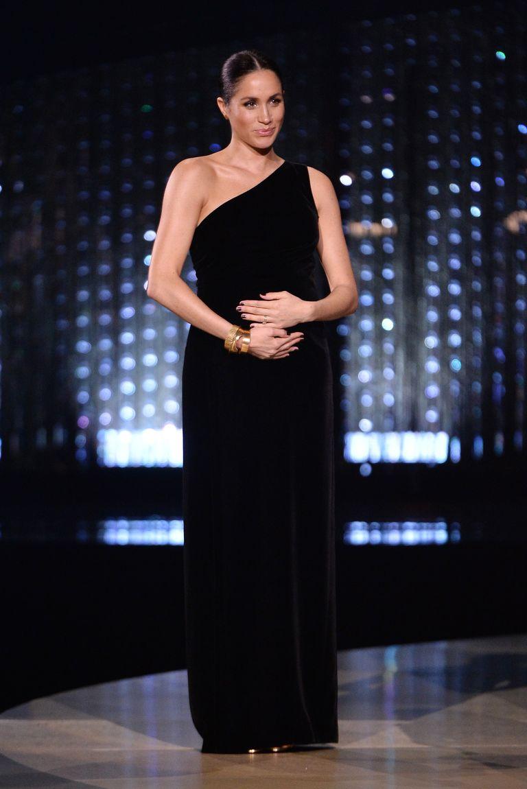 Герцогиня Сассекская неожиданно посетила Fashion Awards 1