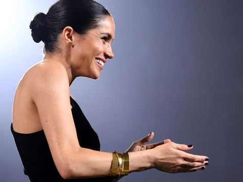 Arm, Beauty, Shoulder, Hand, Performance, Human body, Photography, Elbow, Gesture, Finger,
