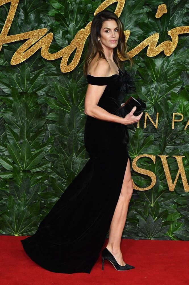 vestiti-neri-eleganti-moda-inverno-2019