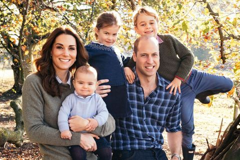 A Princess For Christmas Poster.Kate Middleton Prince William And Their Kids Release Their