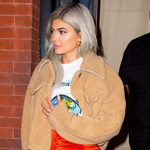 Kylie Jenner Dyes Her Hair Bright Blue For New Years