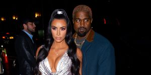 Kim Kardashian en Kanye West bij de Versace Pre-Fall 2019 fashion show in New York