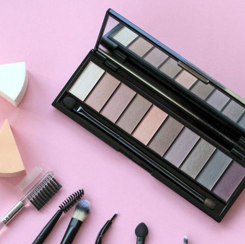 Brush, Pink, Eye shadow, Tints and shades, Purple, Organ, Cosmetics, Lavender, Peach, Violet,