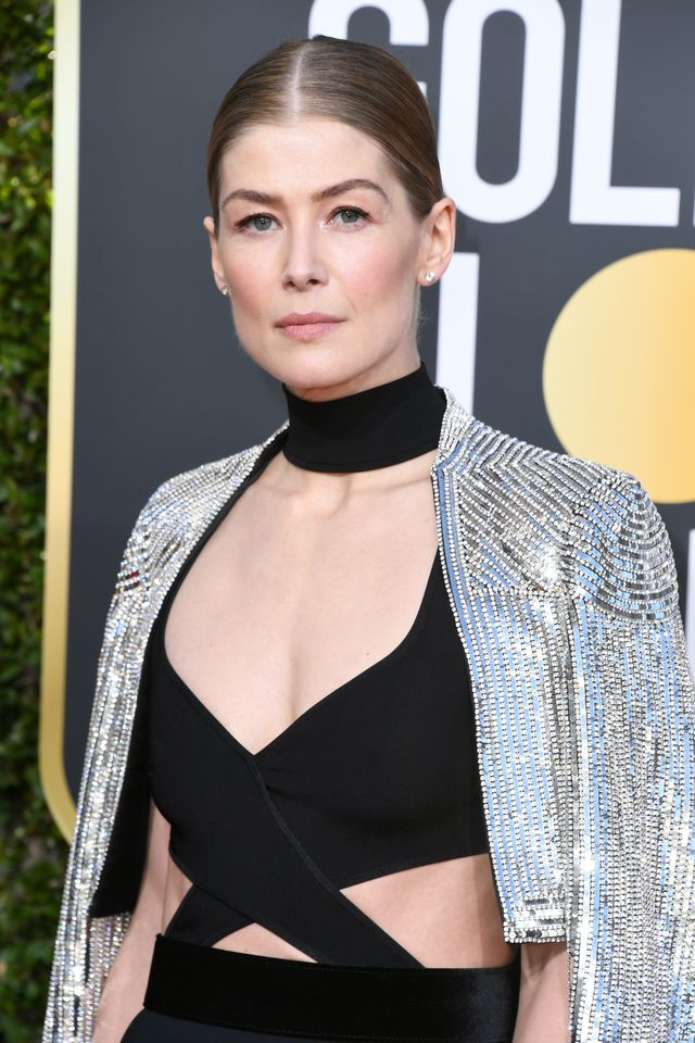 beverly hills, ca   january 06  rosamund pike attends the 76th annual golden globe awards at the beverly hilton hotel on january 6, 2019 in beverly hills, california  photo by jon kopaloffgetty images