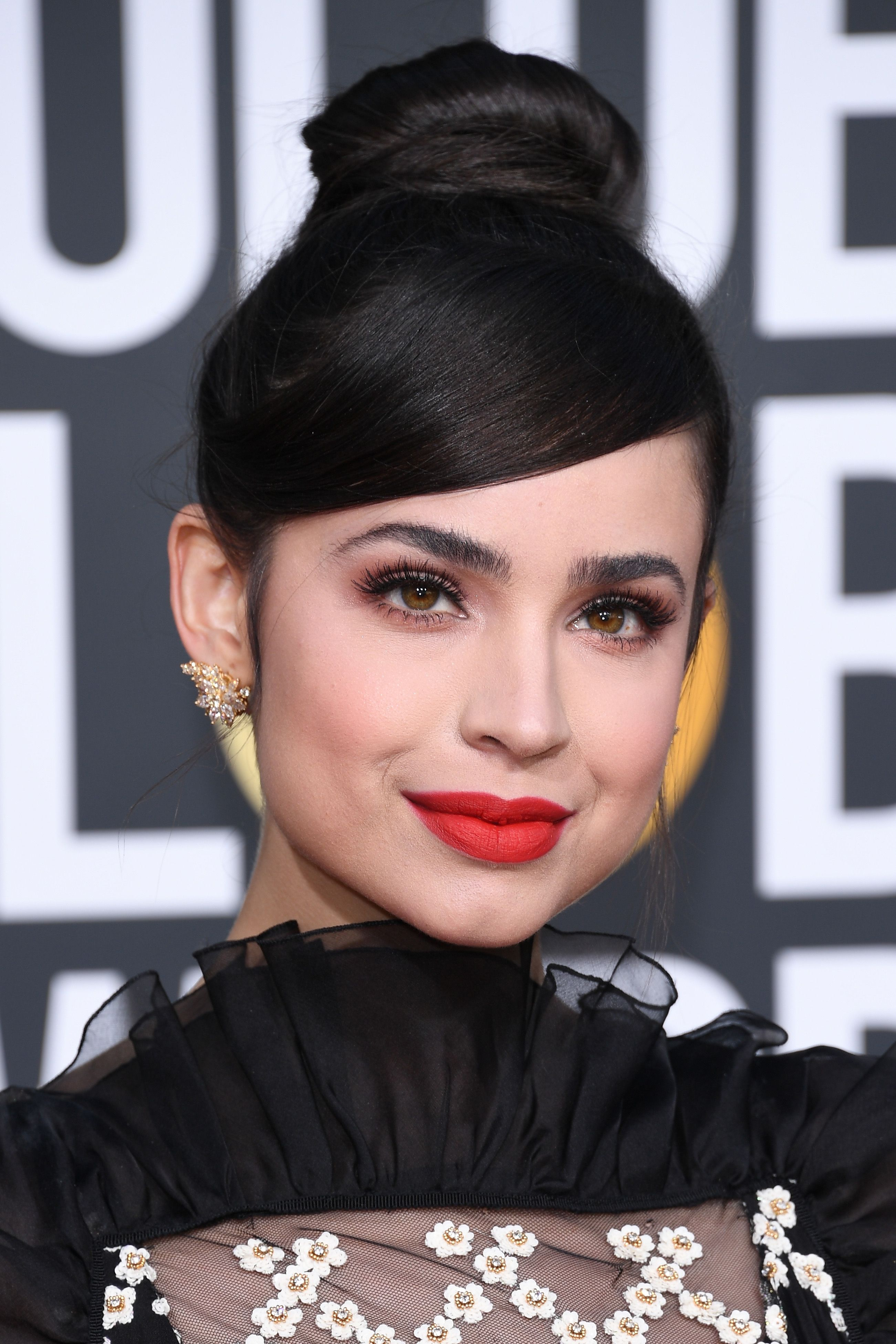 15 Best Hair Makeup And Beauty Looks From Golden Globe Awards 2019