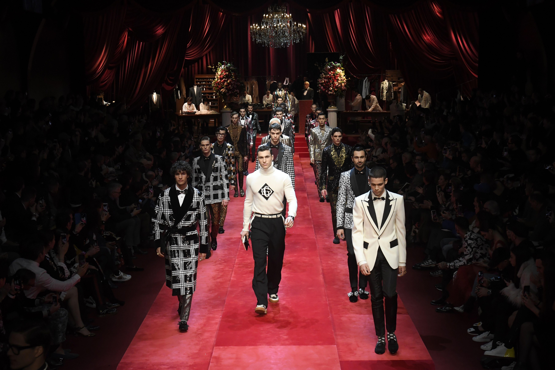 Dolce & Gabbana mette in scena un laboratorio dell'eleganza
