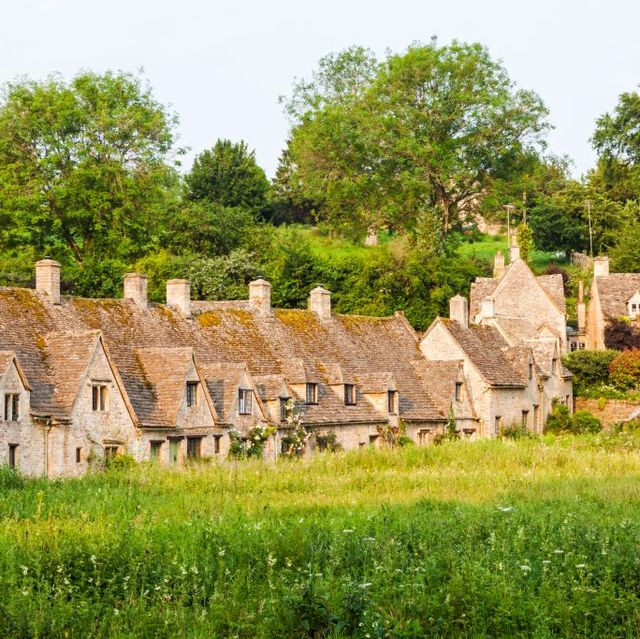 Ruins, Building, Village, Rural area, House, Estate, Grass, Architecture, Cottage, Landscape,