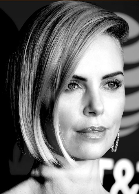 Hair, Face, Eyebrow, Hairstyle, Lip, Chin, Beauty, Blond, Head, Black-and-white,