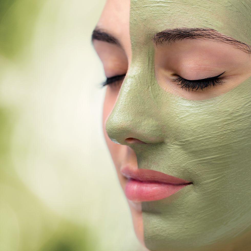 7 Reasons Seaweed Belongs In Your Diet and Beauty Routine