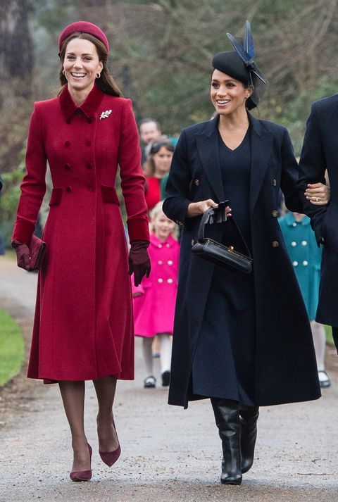 Kate Middleton dan Meghan Markle terlihat memukau saat datang ke gereja (dok. Cosmopolitan)