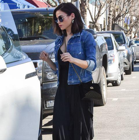 Clothing, Street fashion, Sunglasses, Fashion, Eyewear, Footwear, Cobalt blue, Snapshot, Tights, Electric blue,