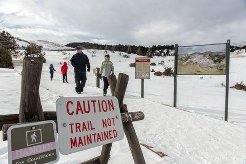 yellowstone park closed shutdown