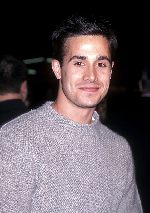 hollywood   november 16   actor freddie prinze, jr attends the end of days hollywood premiere on november 16, 1999 at manns chinese theatre in hollywood, california photo by ron galella, ltdron galella collection via getty images