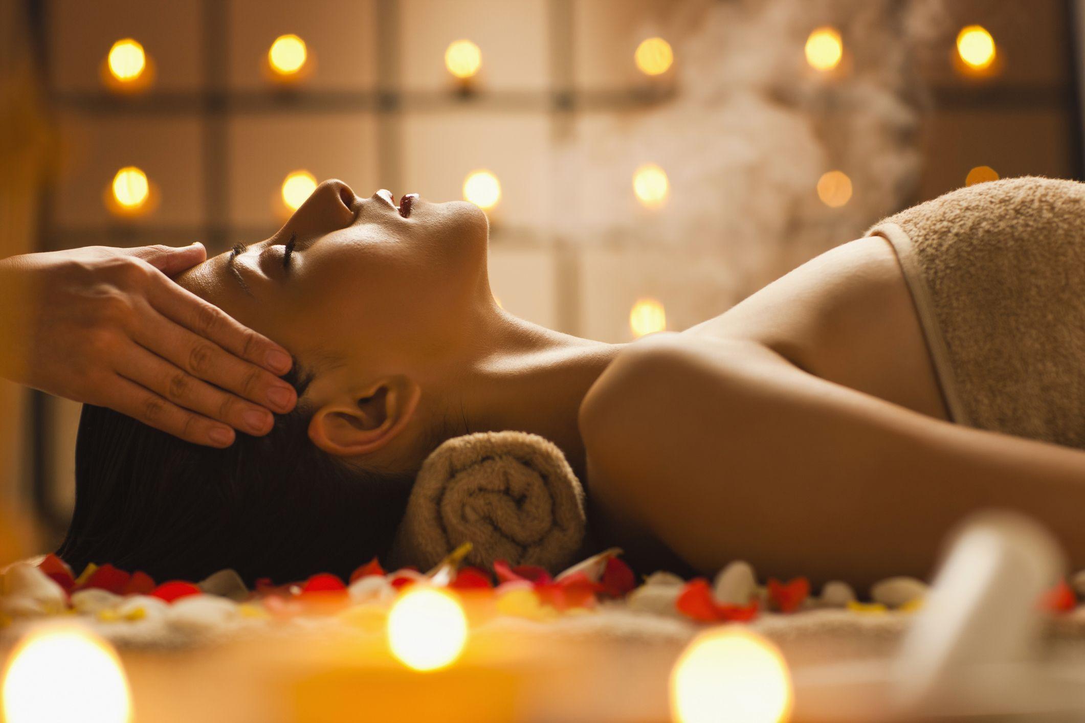 massaggio di salute si trasforma in sesso parte 2 asiatico orgia nero