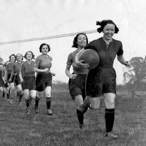 Photograph, Rugby player, Team, Women's football, Rugby league, Team sport, Football, Rugby, Photography, Ball,
