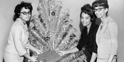 Tree, Fun, Family, Plant, Photography, Black-and-white, Vintage clothing, Smile,