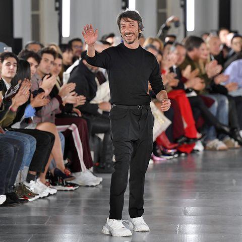 Fashion, Event, Runway, Audience, Crowd, Fashion design, Footwear, Fashion model, Dance, Performance,