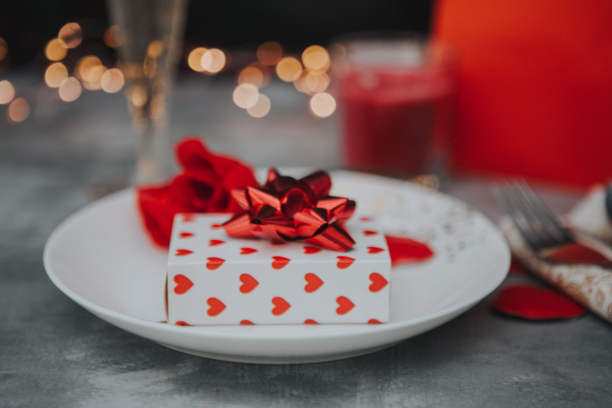 21 Creative Valentine's Day Date Ideas That Go Way Beyond Dinner and a Movie