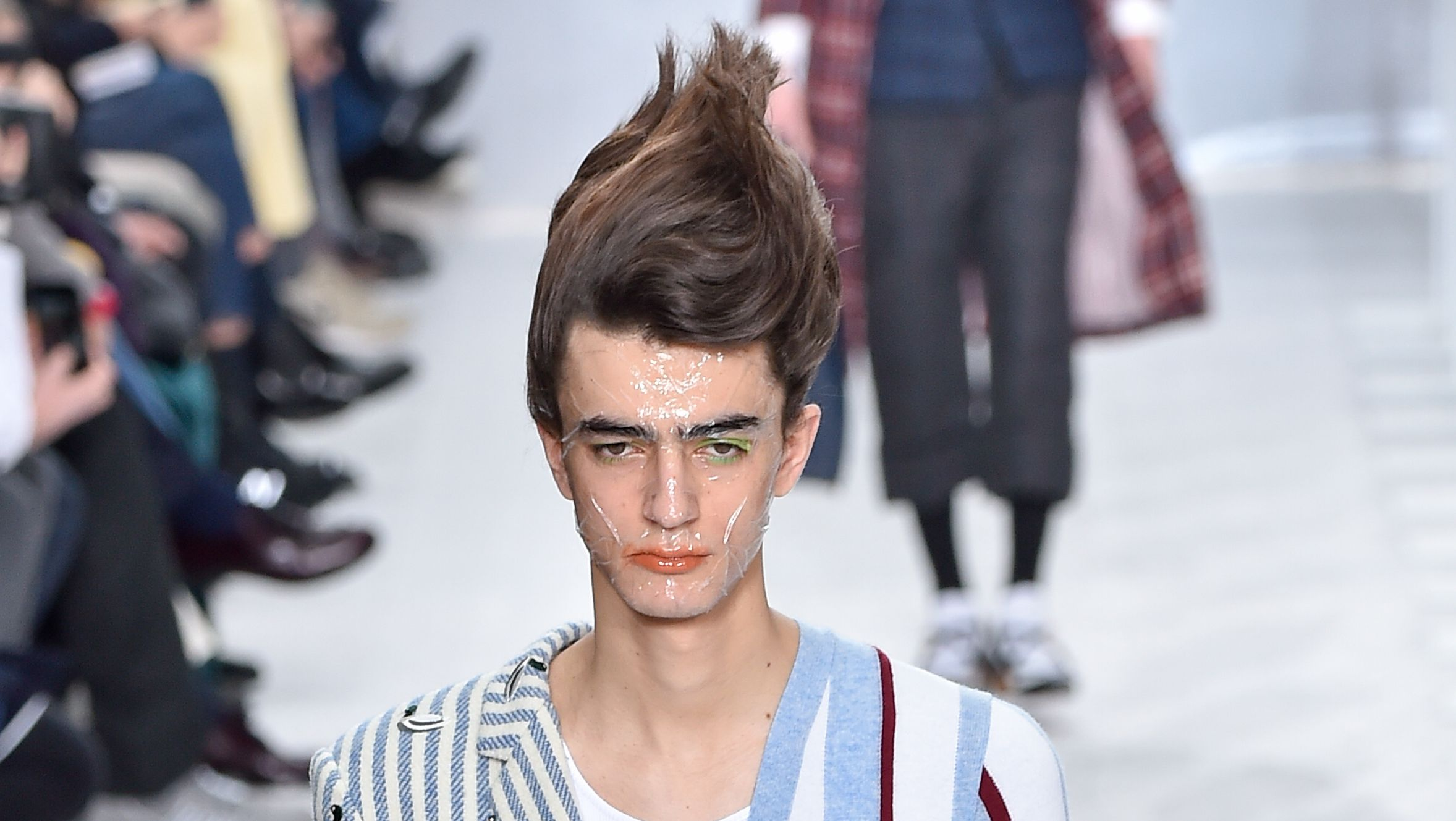 Introducing 2019's Must-Have Haircut: The Fashion Troll