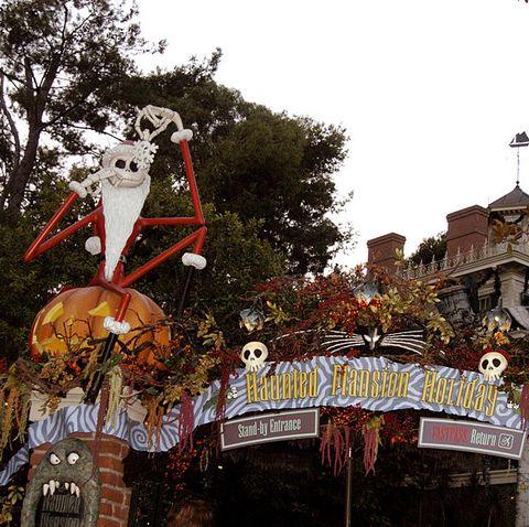 Christmas At Disneyland.Disneyland Is Throwing A Nightmare Before Christmas Themed