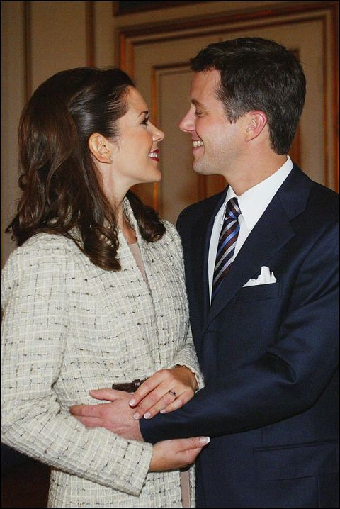 denmark   october 08  mary elizabeth donaldson and crown prince frederik in fredensborg, denmark on october 08, 2003  photo by eric traversgamma rapho via getty images