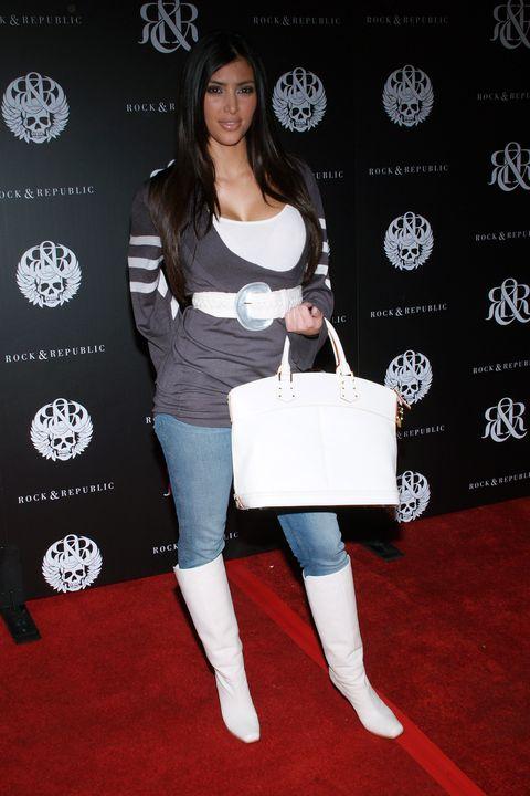 Clothing, Footwear, Shoulder, Joint, Leg, Tights, Knee, Knee-high boot, Carpet, Red carpet,