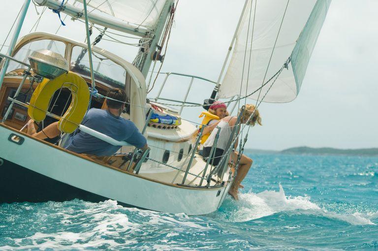 Come vivere in barca invece che in una casa, risparmiando soldi e scoprendo la vera libertà