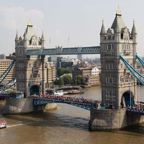 Bridge, Landmark, River, City, Architecture, Tower, Drawbridge, Urban area, Metropolis, Tourism,