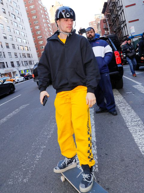 Justin Bieber Brought Cold-Weather Sleazy Style to NYC This Weekend