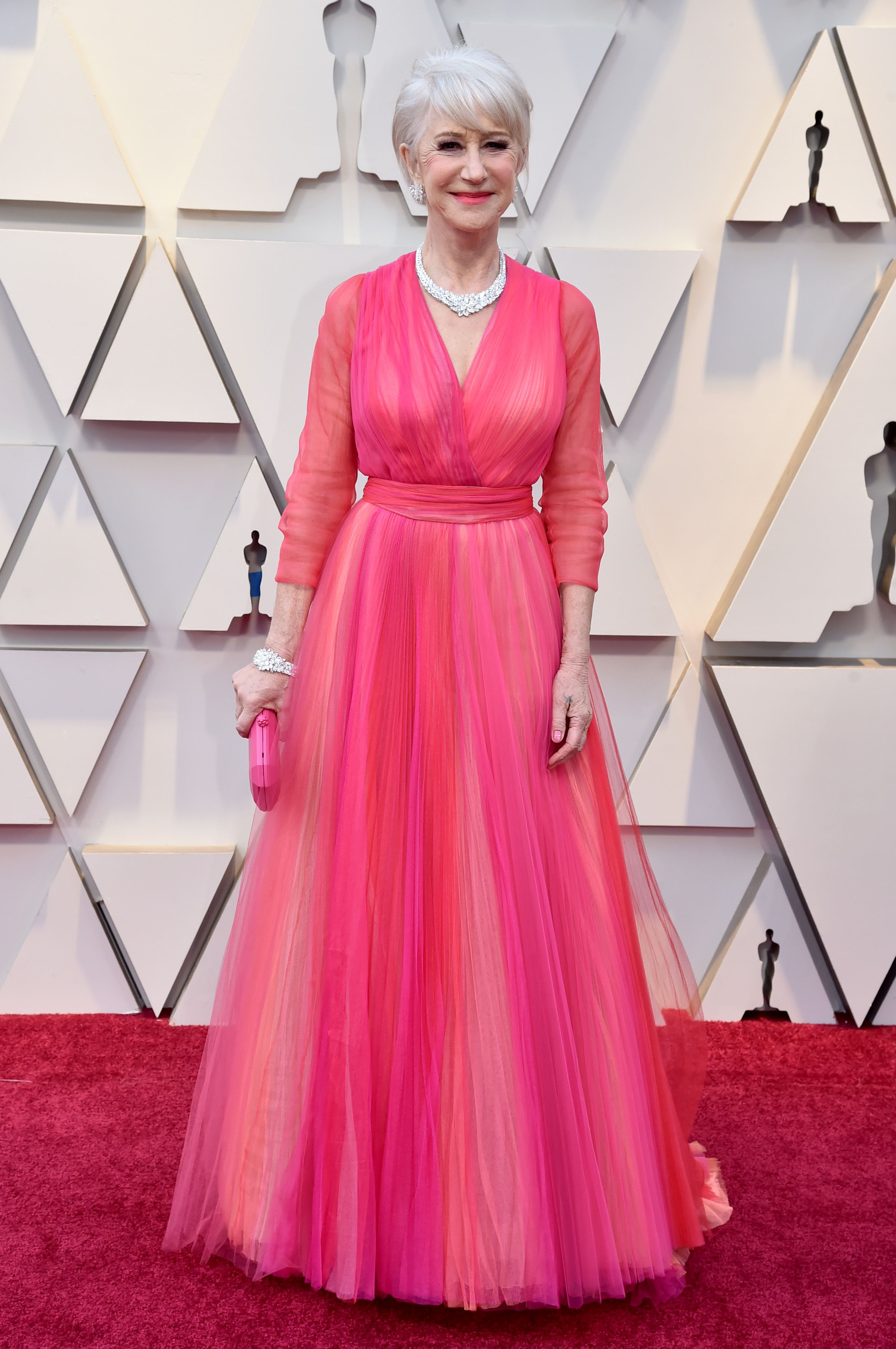 6997fe800c7f97 The Reason Helen Mirren Wore Clear Platforms at the 2019 Oscars