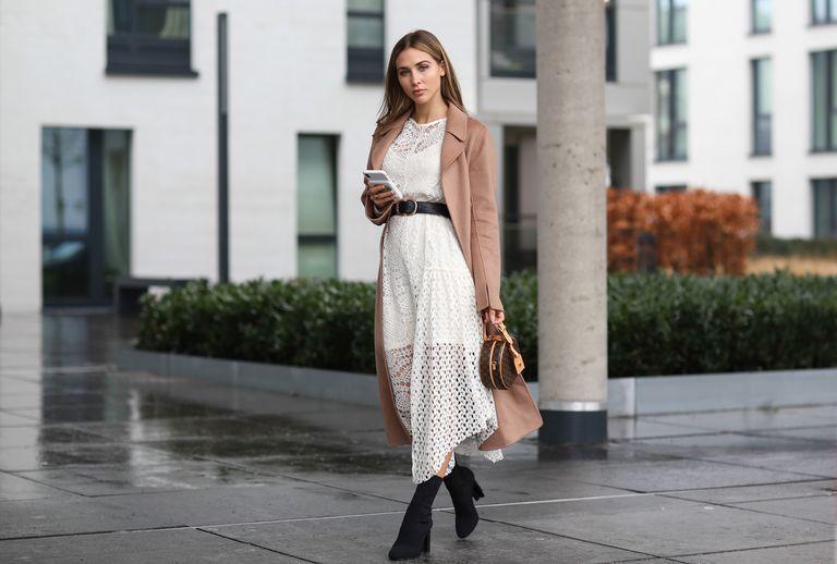 Zara verano 2019  Así lleva una instagramer en pleno invierno el vestido de  encaje de 30 € más espectacular a52641703f8b